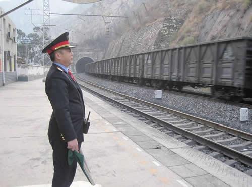 了解铁路上的五大系统,车,机,工,电,辆岗位工作