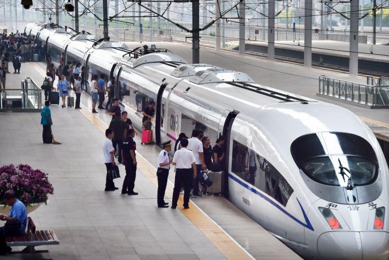 2020年中国铁路暑运结束 累计发送旅客4.56亿人次