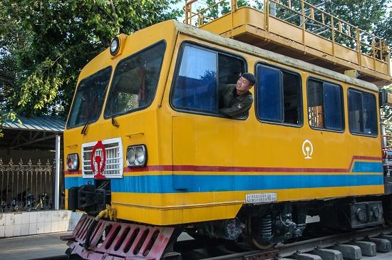 石家庄东华铁路学校电力机车运用与检修专业好就业吗?